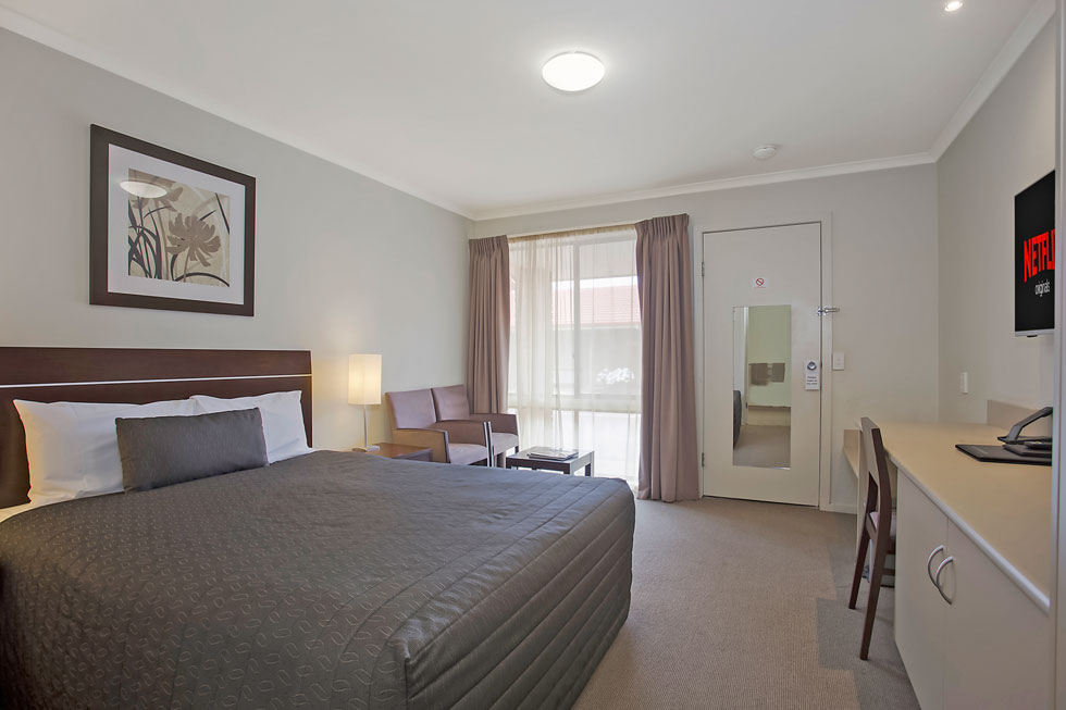 Our rooms offer relaxed environment to unwind and relax at Elm Tree Motel. - Warrnambool, Vic
